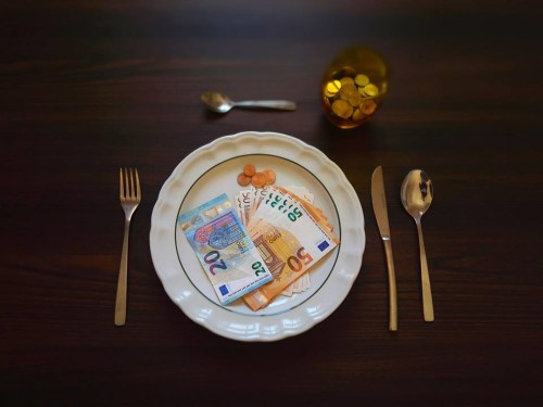 EAT MONEY, 2017 MALTA C-Print, Size: 60 x 80 cm