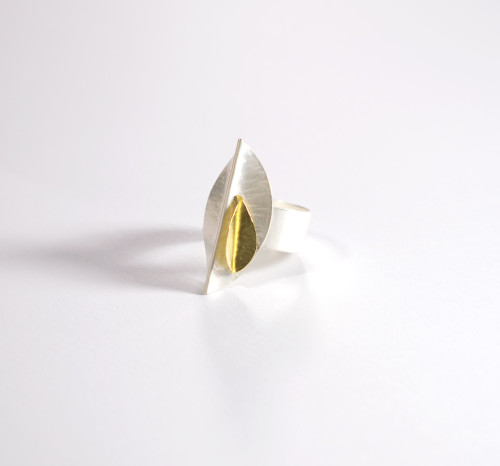 Sterling silver & 18ct gold ring