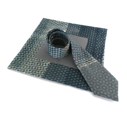 Graphite dot tie and pocket square
